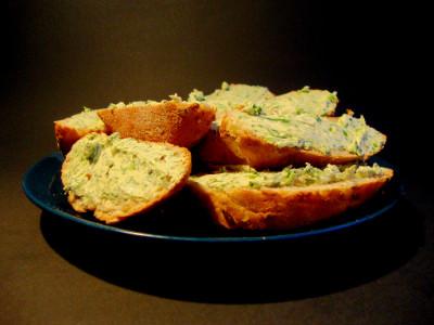kruidenboter op brood